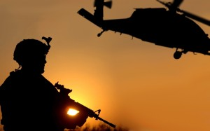 soldiers-aircraft-army-military-helicopters-vehicles-uh-60-black-hawk-new-hd-wallpaper